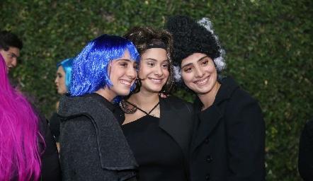 Las hermanas Revuelta Álvarez María Paula, Alexia y Ana Isabel.