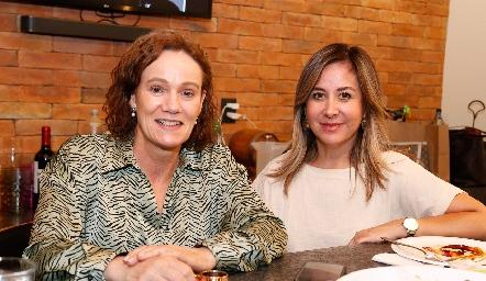 Adriana Padilla y Alejandra Padilla.
