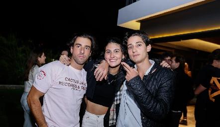 Alejandro Navarro, Natalia Gárate y Santiago Rodríguez.