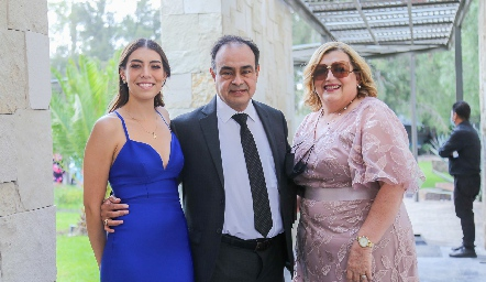Silvia Guel, Arturo Guel y Silvia Marentes.