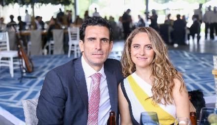 Javier Fernández y Viviana Navarro.