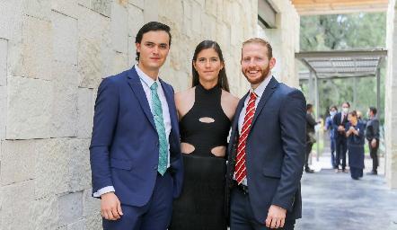 Emilio y Natalia González con David Suez.