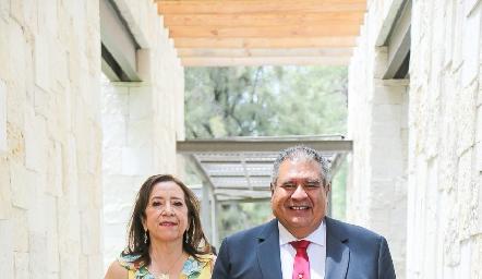 Alejandra Barrera y Elías Torres.