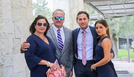 Sara Gutiérrez, Juan Carlos Villanueva, Diego Villanueva e Isabela Rodríguez.