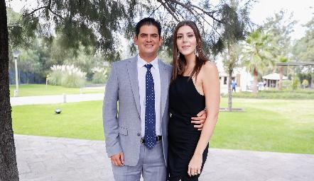 Antonio Morales e Isabela Aiwan.