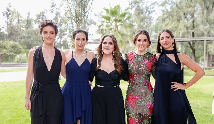 Adriana Prieto, Rocío Madrid, Lucía Padrón, Carla Bello y Alexa Quintana.