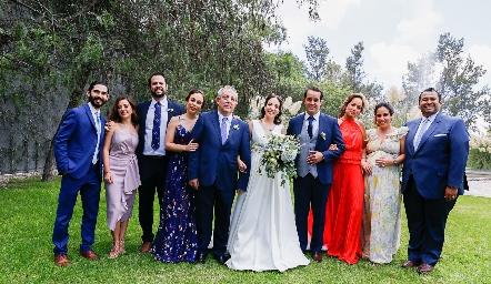 Fernando Pérez, Eugenia Torres, Fernando Dibildox, Fernanda, Pedro y Sofía Torres, Alejandro Sanvela, Ana Isa Torres y Alejandro Torres.