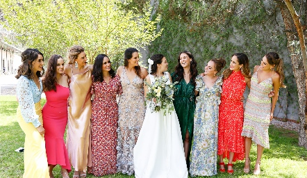 Adri de la Maza, Mayte Soberón, Benilde Hernández, Claudia Villasana, Jessica Martín Alba, Sofía Torres, Carmelita Del Valle, Gaby Foyo, Dani Mina y Paulina Aguirre.