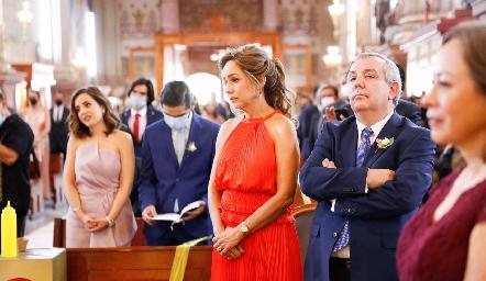 Ana Luisa Acosta de Torres y Pedro Torres Trueba, papás de la novia.