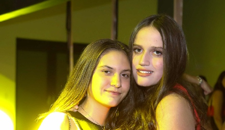 Luciana Urías y Kamila Dip.