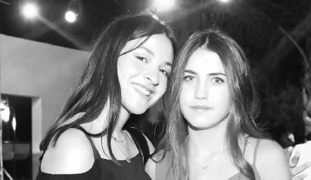 Victoria y Alexa.
