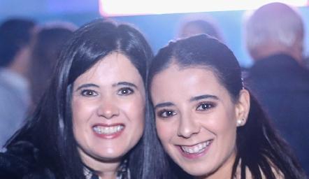 Martha Aldrett y Daniela Navarro.