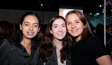 Lucero Robledo, Andrea Rafaela Hernández y María Belgodere.