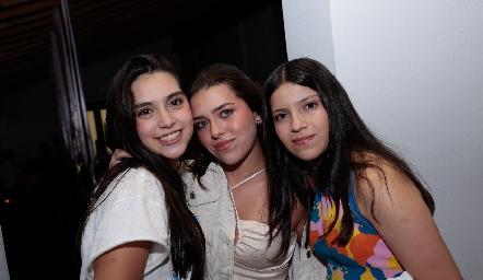 Vale Eternod, Victoria Muñoz y Camila Díaz.