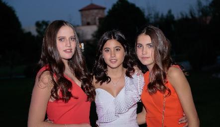 Kamila Dip Altamirano, María Navarro Aldrett y Alexa Pizzuto Allende.