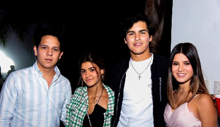 Rolando Fernández, Miranda Pizzuto, Diego Gómez e Isabela Navarro.