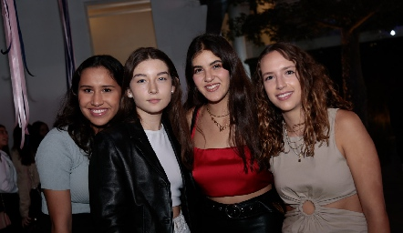 Jimena Montes, Camilla, Natalia Gómez y María MA.