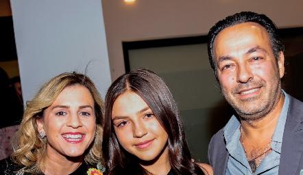 Janeth del Rincón, Eugenia Serrano y Francisco Serrano.