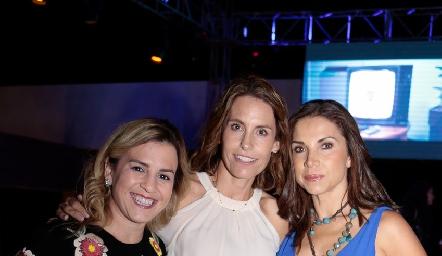 Janet del Rincón, Alejandra Allende y Mayra Ortega.
