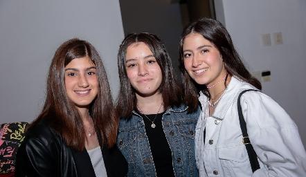 Silvana Oliva, Andrea Oliva y Ana Pao Jiménez.
