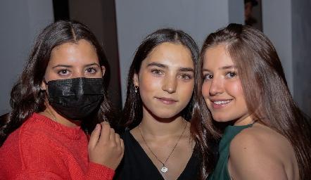 Mari Jo Villalobos, Camila del Bosque y Anna Astrid Delgado.