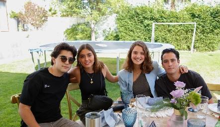 Alejandro Cambeses, Vale Salazar, Ilse Siller y Roberta Silva.