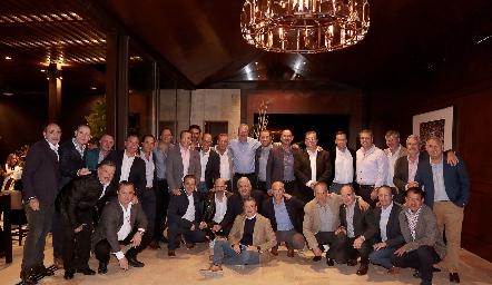 Manuel Toledo con sus amigos de toda la vida.