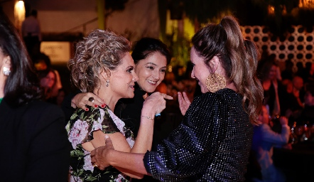 Sofía Romero, Adirana Calderón y Claudia Toledo.