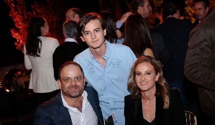 Saad Sarquis, Patricio Sarquis y Romina Madrazo.