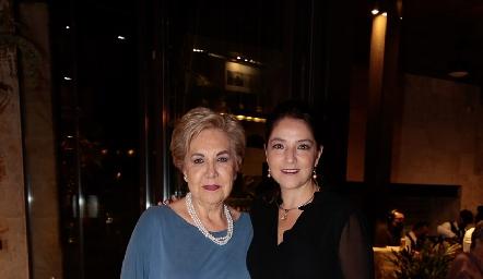 Lourdes Aguiñaga y Adriana Calderón.
