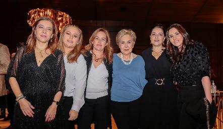 Daniela Calderón, Montserrat Gutiérrez, Julieta Ortuño, Lulú Aguiñaga, Adriana Calderón y Mariana Ávila.