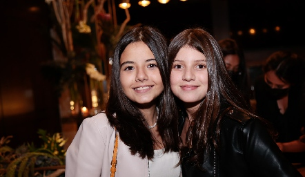 Loreta Galván y Manuela Zambrano.