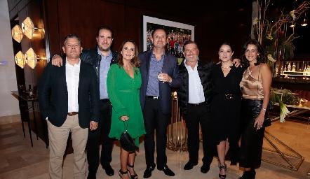Pepe Guevara, Luis Nava, Cristina Villalobos, Manuel Toledo, Rodrigo Gómez, Adriana Calderón y Mónica Galarza.
