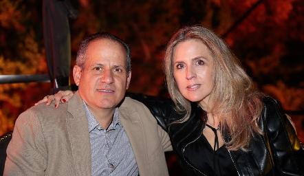 Ramón Gómez y Verónica Berrón.