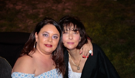 Daniela y Teresa Minondo.