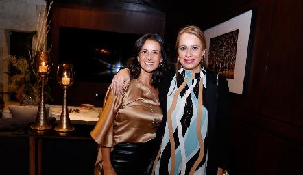 Mónica y Meritchell Galarza.