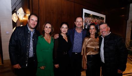 Luis Nava, Cristina Villalobos, Adriana Calderón, Manuel Toledo, Mónica Galarza y Rodrigo Gómez.