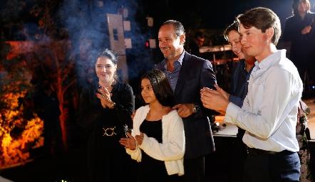 Adriana, Manuel, Sofía, Santiago y Manuel Toledo.