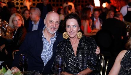 Rodolfo Narro y Claudia Toledo.
