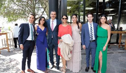 Emilio Payán, Marily Tobías, Javier Tobías, Marily Espinosa, María Paula Tobías, Sergio Bedolla y María José Tobías.