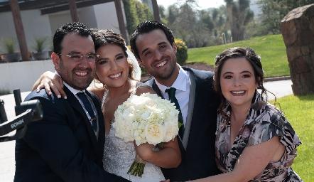 Mauricio Romo, Diana Villanueva, Samuel Romo y Susana Lozano.