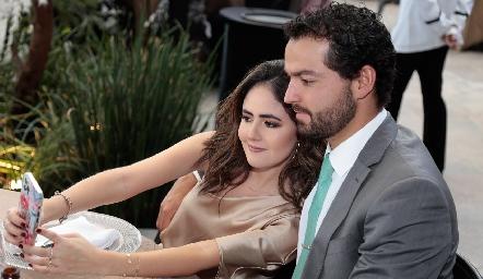 Paulina Aldrett y Carlos González.