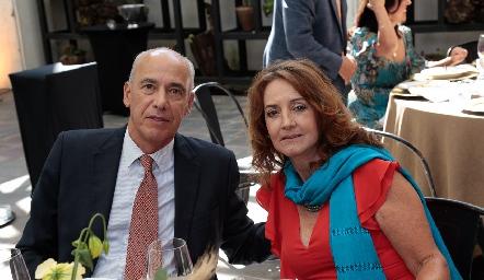 Chepe Díaz Infante y Alma Rosa Orozco.
