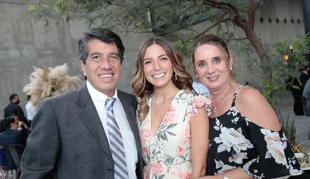Fermín Hernández, Romina David y Adriana Alcalá.