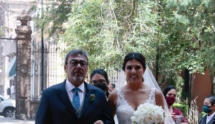 Rafael Villanueva con su hija Diana.