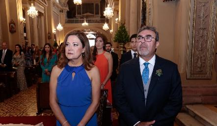 Patricia Gómez de Villanueva y Rafael Villanueva, papás de la novia.