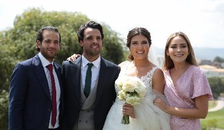 Samer Medlich, Samuel Romo, Diana Villanueva y Bárbara Mahbub.