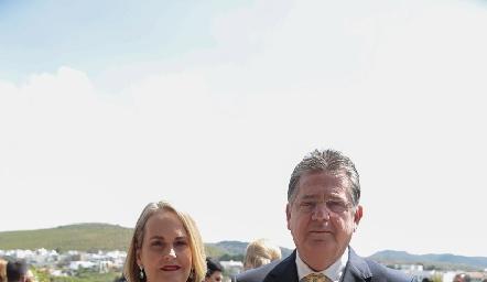 Cecilia Astabuduaga de Jiménez y Sergio Jiménez.