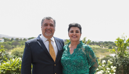 José y Diana Reyes.