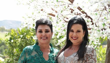Diana y Ana Reyes.